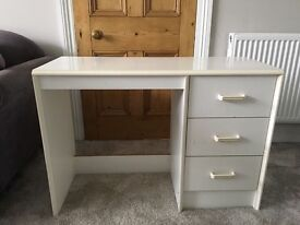 Small white solid desk, ideal for child. 3 drawers.