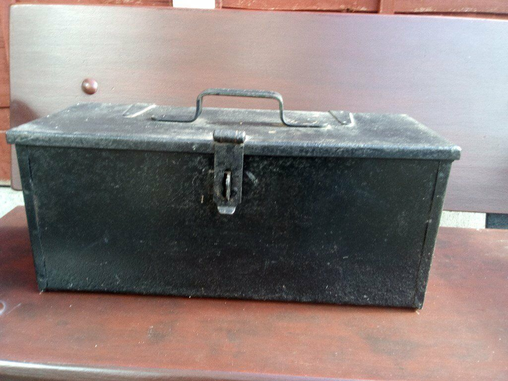 heavy steel tool box