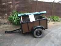 Small lidded trailer