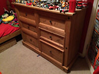 6 DRAWER BEDROOM UNIT & MATCHING SINGLE BED