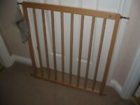 BABY DAN NO TRIP WOODEN STAIR GATE - PERFECT CONDITION