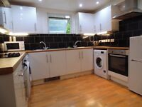 +++ALL BILLS INCLUDED ON THIS ENSUITE FURNISHED DOUBLE ROOM++ READY NOW+++
