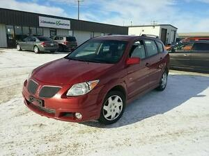 2007 Pontiac Vibe Base VERY CLEAN! GOOD ON GAS!