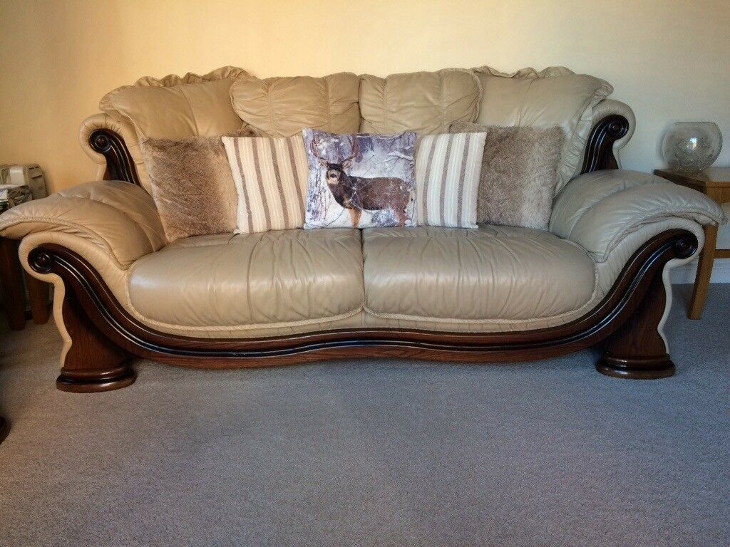 Cream Leather And Wood Sofa And Chair With Cushions Pictured Used Buyer To Collect In Cleethorpes Lincolnshire Gumtree