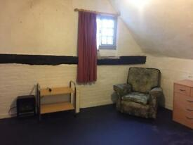 Double Room Available in Coggeshall