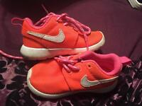 Girls toddler size 5.5 Nike trainers