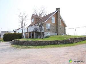 299 000$ - Maison à un étage et demi à St-Anaclet-De-Lessard