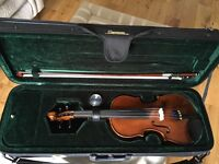 Violin Half-size with bow and case - excellent condition