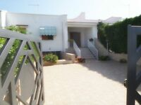 Private holiday villa to Rent for short terms by the sea - OSTUNI-Apulia- South of Italy, Sleeps 6
