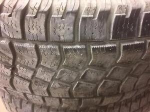 4 pneus d'hiver 265/70/17 Avalanche X-treme
