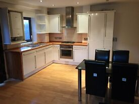 Modern 2 Bedroom Flat in New Cross (very close to New Cross station)