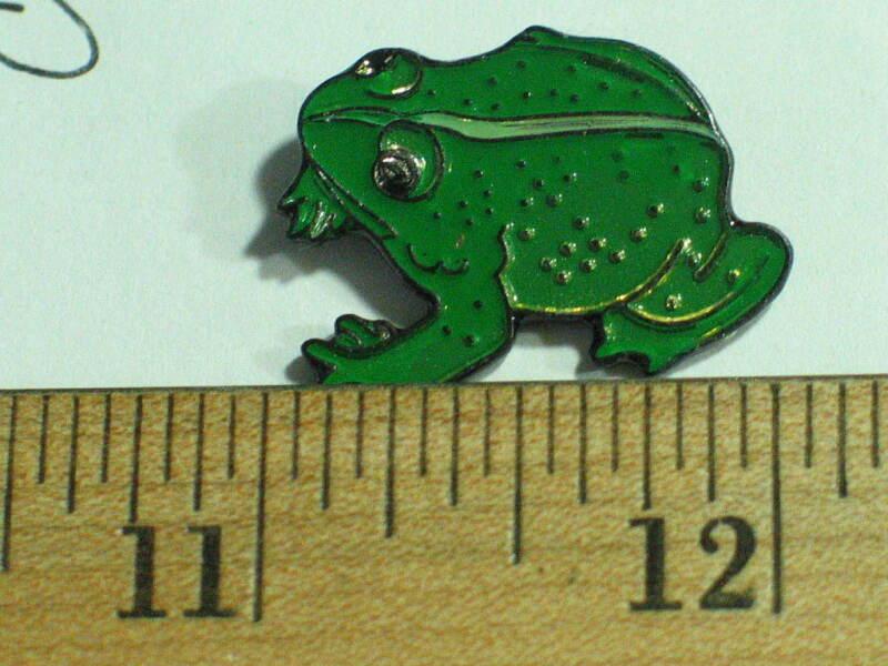 Frog ? Toad Pin ?   Hat Tack Lapel Pin Badge