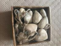 15 wooden hearts & rope