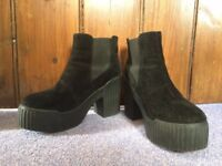 Women's Shoes - LOVEClothing High Heeled Chelsea Boots - UK Size 7