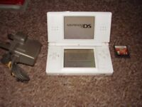 NINTENDO DS LITE WHITE WITH GAMES