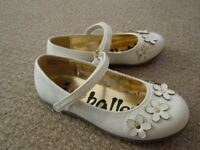 Leather ballets with daisies size 10/28