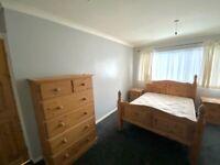 Solid Oak Bedroom Furniture Set