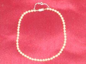 pearl necklas
