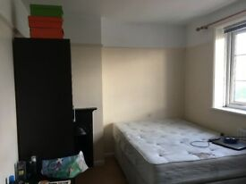 Large double room in Morden