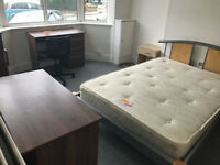 DOUBLE ROOM IN A HIGH STANDARD RE-FURBISHED HOUSE ALL BILLS INC.