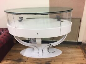 unusual and high quality Glass shopdisplay cabinet with lock for expensive item, open to offers