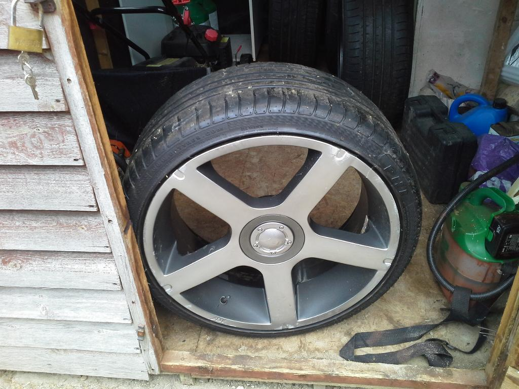 Audi Wheels with vgc tyres