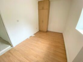 Including Council Tax Prime Location Studio near Dalston Station with Terrace -- Company let allowed