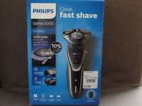 Philips Shaver Series 5000 Dry shave +Trimmer S5320/06 Brand New Unopened HALF PRICE rrp £170