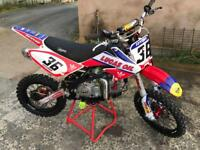Pit bike 160cc stomp race bike