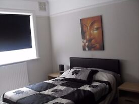 Looking For Space And A Place With Outstanding Views? Spacious Double Room In Greenwich Available!!