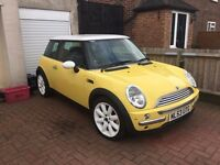 Mini Cooper for sale. 1.6, 3 door hatchback. MOT until Feb 2018. Gear box needs attention