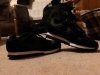 Nike MD Runners Black