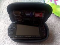 PSP 2004 with hardcase an 4 memory card