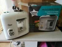 Tommee Tippee food preparation steamer and blender