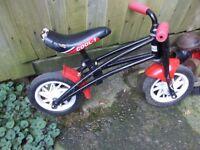 Child push alone training bike scooter