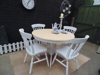 STUNNING SOLID PINE FARMHOUSE ROUND DINING TABLE WITH 4 SOLID PINE FARMHOUSE DINING CHAIRS