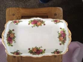 Royal Albert Sandwich platter (Old Country Roses)