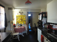 3 bed victorian house in e35eb london