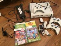 Xbox 360 white bundle minecraft Lego movie ect..