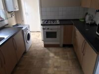 ***Lovely single room available minutes way to Canning Town station***