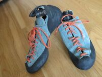 Scarpa Climbing Shoes size 5-6