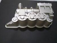 Nordicware cake tin locomotive train mould