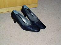 Ladies Van Dal Court shoes