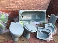 Full Sage Green Bathroom Suite (Good Condition)