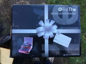 Wine Connoisseur - Luxury Wine Kit with Professional style effortless corkscrew.