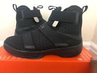 Nike Lebron Soldier 10 GS Basketball Trainers UK 6