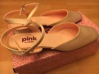 Ladies wedding shoes size 6
