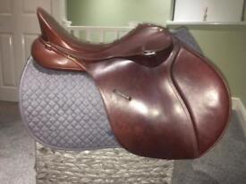 """Lovely 17"""" bates saddle"""