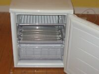 Lec Elan Freezer, Model EU250BW