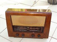R G D Vintage Radio